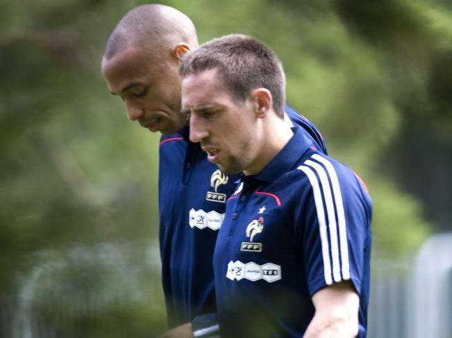 thierry-henry-franck-ribery-clairefontaine_full_diapos_large