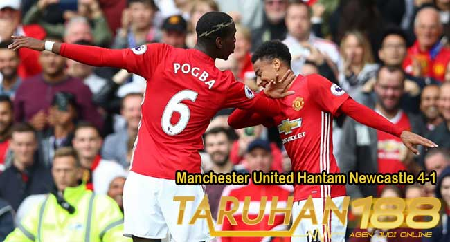 Manchester United Hantam Newcastle 4-1